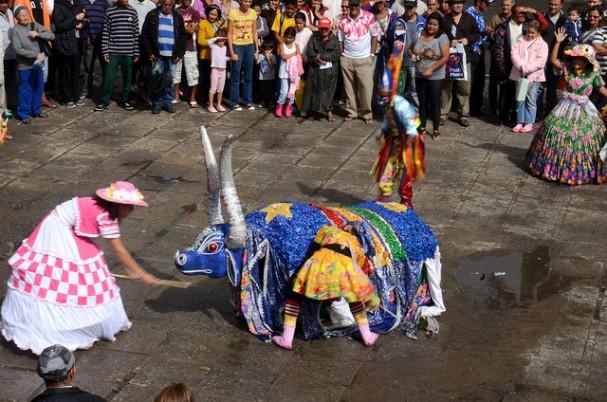 Boi Maracatu de Arcoverde se apresenta no Dia da Cultura dos Bois em Recife