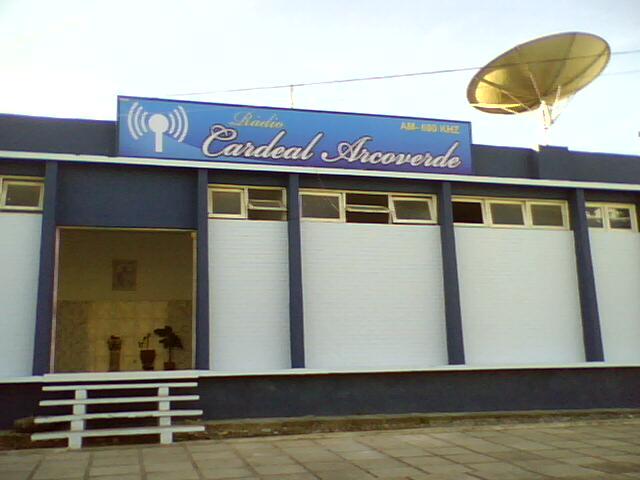 Incêndio destrói transmissores da Rádio Cardeal em Arcoverde
