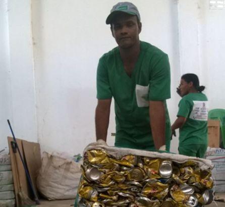 Cooperativa de catadores de Serra Talhada convoca sociedade para coleta de recicláveis