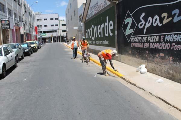 Arcotrans reforça sinalização nas principais vias da cidade