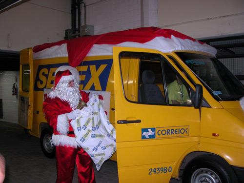 Papai Noel dos Correios adianta entrega de presentes em Arcoverde