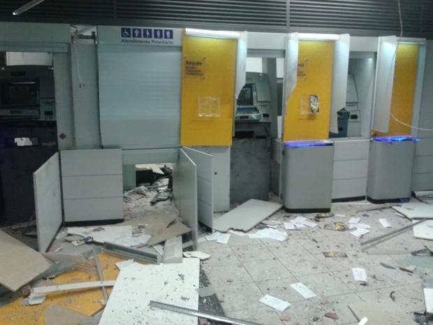 Bandidos explodem agência do Banco do Brasil em Palmeirina